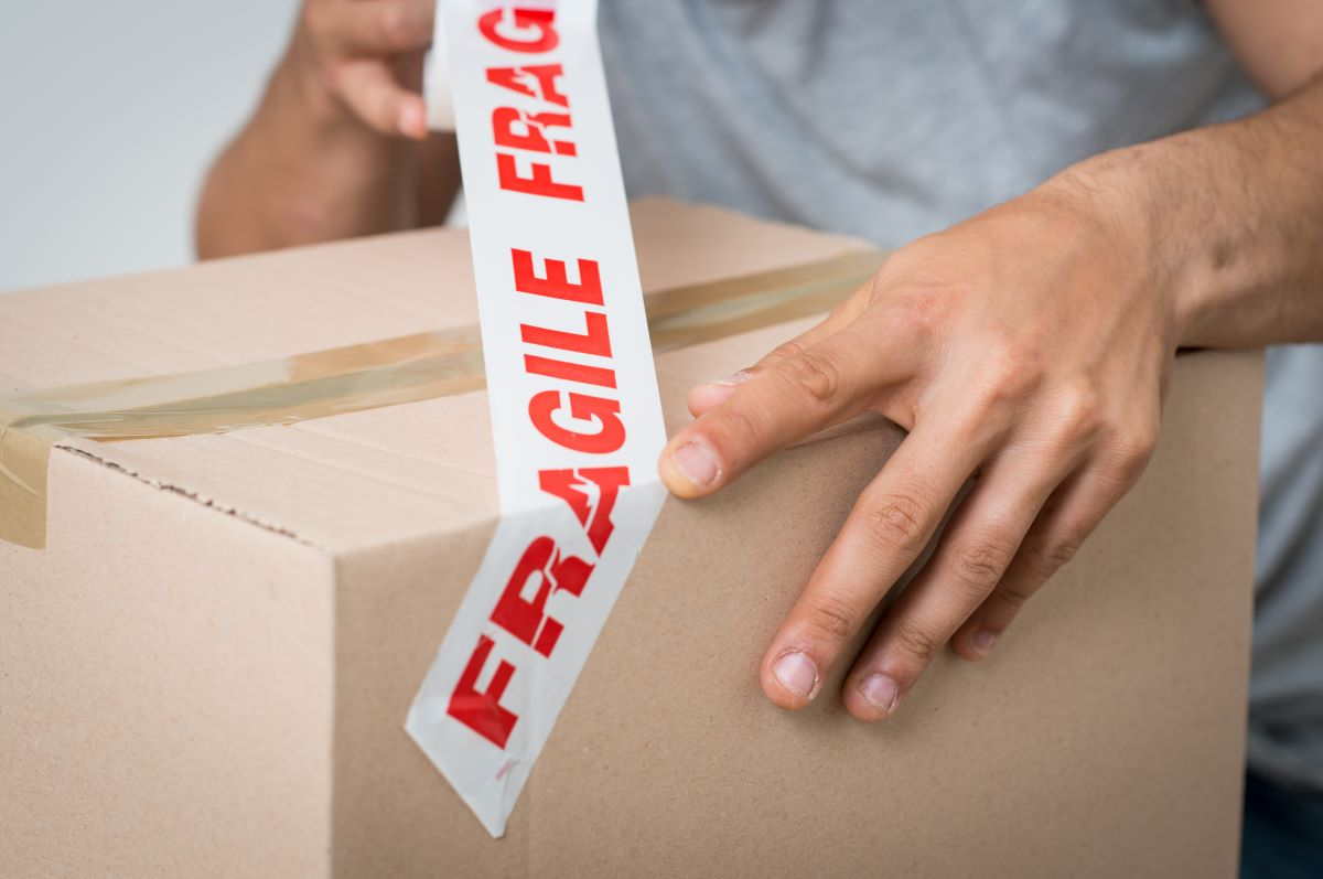 fragile tape shipping